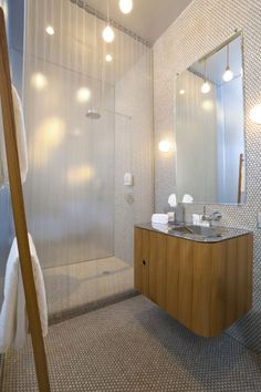 Mini tiles and a simplistic bathroom