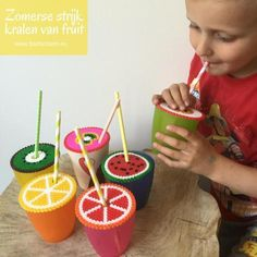 Maak deze vrolijke zomerse DIY van strijkkralen. Een praktische manier om je glas te beschermen en het vrolijkt er ook nog eens van op met al dat fruit! Summer Crafts For Kids, Summer Kids, Kids Crafts, Hama Beads Design, Art N Craft, Birthday Candles, Watermelon, How To Make, Blog