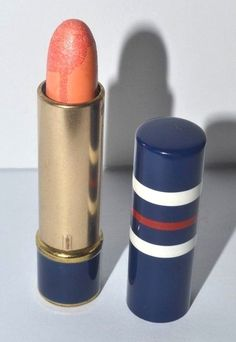 Bonne Bell Frosted Lipstick Vintage Makeup, Vintage Vanity, Vintage Perfume, Frosted Lipstick, Lipstick Tube, Bonne Bell, Cosmetics & Perfume, Cosmetic Packaging, Vintage Hairstyles