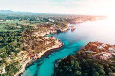 Wir zeigen Dir spektakuläre und atemberaubende Bilder aus der Vogelperspektive. So wunderschön hast Du Mallorca noch nie gesehen!