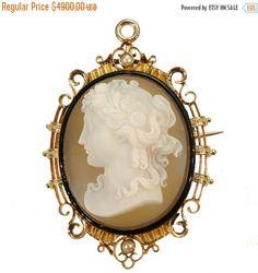 Broche camée qualité  perles Fine broche par adinantiquejewellery