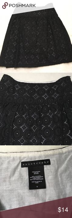 Apostrophe Skirt Black skirt with white underlay, beautiful design throughout. Length is 21.5 inches. Great condition! Apostrophe Skirts Midi