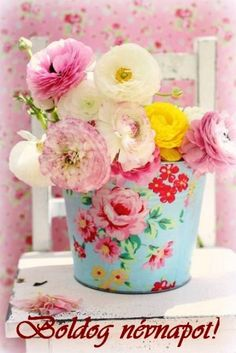 Pretty pastel flowers in a shabby chic bucket My Flower, Beautiful Flowers, Simply Beautiful, Colorful Roses, Pastel Flowers, Pastel Colors, Fresh Flowers, Soft Colors, Pastel Decor