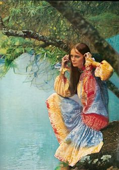 Jan de Villeneuve in Jean Muir Photographed by David Bailey Vogue January 1970 60s And 70s Fashion, Seventies Fashion, Moda Fashion, Retro Fashion, Vintage Fashion, Hippie Fashion, Women's Fashion, Fashion Trends, David Bailey