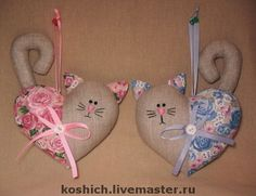 Gifts for Valentine's handmade. Fair Masters - handmade cat has thrown. Sewing Toys, Sewing Crafts, Cat Crafts, Arts And Crafts, Felt Ornaments, Christmas Ornaments, Craft Projects, Sewing Projects, Fabric Hearts