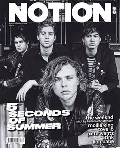 They look like a hardcore rock band here XD (and then you hear Ashton's laughing XD)