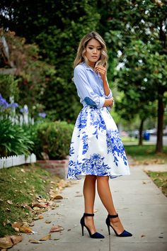 Mixing various blue prints and patterns to create a fun summery look perfect for afternoon tea, ladies brunch, romantic picnics, and much more.