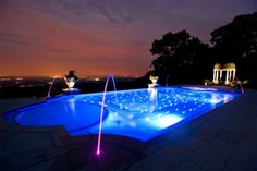 Looking for swimming pool spa design ideas? Access images from top swimming pool designers to get inspired today. Swimming Pool Decorations, Swimming Pool Lights, Swimming Pool Landscaping, Swimming Pool Designs, Landscaping Ideas, Night Swimming, Indoor Swimming, Pool Spa, Above Ground Pool