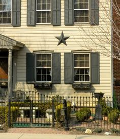 Country Cool: Barnstars   Apartment Therapy