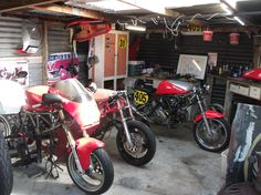 http://www.ducati.ms/forums/attachments/ducati-motorcycle-chat/306329d1385786402-garage-picture-thread-dscf5024-1-.jpg