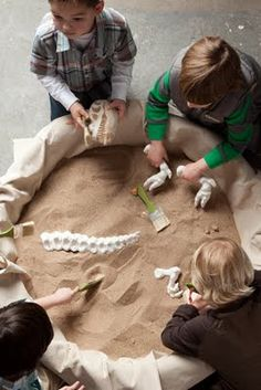 For the future archaeologists and those who just love to dig up the sand, try out this great idea for a Dinosaur Party!