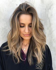 Summer Hairstyles : Hazelnut Hair Low Maintenance Hair Color Ideas For Lazy Girls Photos Bronde Hair, Balayage Hair, Spring Hairstyles, Up Hairstyles, Hairdos, Brown Blonde Hair, Dark Hair, Onbre Hair, Hair Cut
