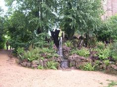 water feature at longwell green, south gloucestershire