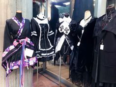 Gothic Lolita styles in Tokyo. Photo by alphacityguides.