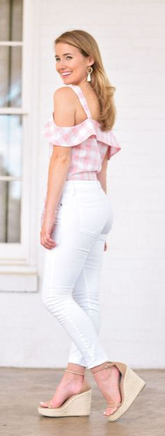 the impeccable pig X lonestar southern collection is LIVE Spring Dresses, Spring Outfits, Casual Outfits, Cute Outfits, Casual Clothes, White Pants Outfit, Preppy Southern, Southern Charm, Southern Belle