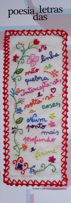 MACADOR DE LIVRO-PAPEL Crewel Embroidery, Hand Embroidery Patterns, Cross Stitch Embroidery, Embroidery Designs, Felt Crafts, Diy Crafts, Premium Wordpress Themes, Embroidered Flowers, Needlepoint