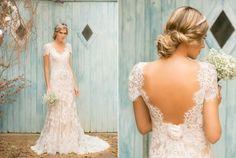 Vestido de noiva boho em renda e costas abertas