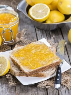 Scopri come preparare la marmellata di limoni senza buccia per dare un altro sapore alle tue colazioni.