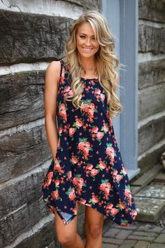 Flirty in Floral Dress – The Pulse Boutique