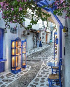 33 ideas travel greece mykonos greek islands for 2019 Beautiful Places To Travel, Wonderful Places, Beautiful World, Beautiful Streets, Santorini, Mykonos Greece, Skiathos Island, Greek Blue, Europe Photos