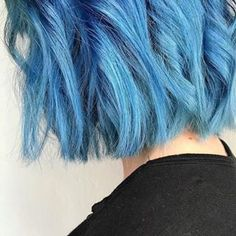 Aveda Artist Alexa Frank's take on Earth Month Blue hair color is impactful and playful at the same time. Formula for this bright cerulean color: 19 grams light BB, 1 gram pure green, 20 grams 0N!