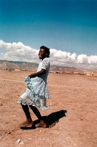 Maggie Steber's Audacity of Beauty - dancing in poverty