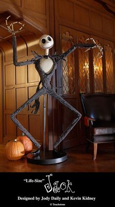Life Size Jack Skellington Nightmare Before Christmas Halloween Prop LE Disney Halloween Prop, Happy Halloween, Casa Halloween, Feliz Halloween, Adornos Halloween, Halloween Crafts, Halloween Decorations, Halloween Canvas, Halloween Jack