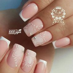 Prized by women to hide a mania or to add a touch of femininity, false nails can be dangerous if you use them incorrectly. Types of false nails Three types are mainly used. Shellac Nails, My Nails, Acrylic Nails, Nail Polish, French Nails, Cute Nails, Pretty Nails, Simple Wedding Nails, Bride Nails