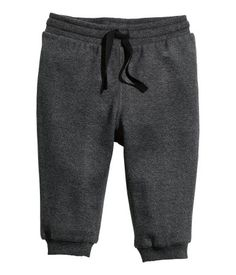 Joggers in soft sweatshirt fabric made from organic cotton with an elasticized drawstring waistband and ribbed hems. Baby Kids Wear, Girls Wear, Newborn Outfits, Baby Boy Outfits, Little Boy Fashion, Kids Fashion, H&m Baby, Stylish Boys, Comfy Pants
