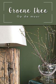 Ik heb sinds kort de kleur 'groene thee' op mijn muur in de woonkamer. Het resultaat is te zien op www.irmatennapel.nl