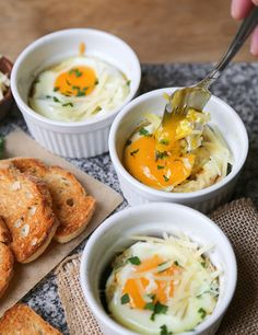 idée petit déjeuner et brunch automnal: oeufs gratinés Cobbler Eggs