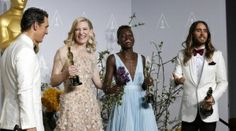 (L-R) Best actor winner Matthew McConaughey, best actress winner Cate Blanchett, best supporting actress winner Lupita Nyong'o and best supporting actor winner Jared Leto pose with their Oscars at the 86th Academy Awards in Hollywood, California March 2, 2014  REUTERS/ Mario Anzuoni