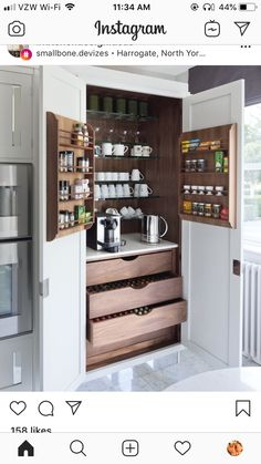 Basic Kitchen Area Concepts For Inside or Outside Kitchen areas – Outdoor Kitchen Designs Hidden Kitchen, Basic Kitchen, New Kitchen, Kitchen Decor, Kitchen Ideas, Mini Kitchen, Cheap Kitchen, Kitchen Small, Kitchen Appliance Storage