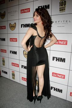 Sizzling Hot HD Pics Of Actress Urvashi Rautela