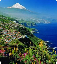 Spain Travel Inspiration - Teide with snow, Tenerife, Canary Islands, Spain Most Beautiful Beaches, Beautiful Places, Canaries Tenerife, Places To Travel, Places To See, Voyage Europe, Spain And Portugal, Canary Islands, Spain Travel