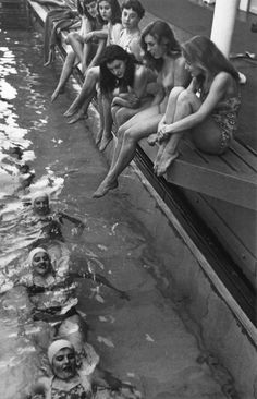 Girls day at the pool. Paris 1960.