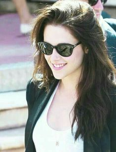 Girl Pictures, Girl Photos, Star Pictures, Profile Pictures, Hollywood Celebrities, Hollywood Actresses, Emma Beauty, Kristen Stewart Twilight, Kirsten Stewart