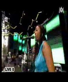 Annie Lennox - Sweet dreams (at Live 8)