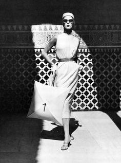Jean Patchett shot by Louise Dahl Wolfe in Granada, Spain 1953