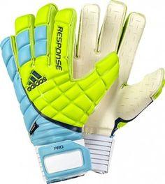 My favourite goalkeeper gloves Soccer Players, Football Soccer, Soccer Ball, Basketball, Goalie Gloves, Football Gloves, Soccer Workouts, Soccer Quotes, Fo Porter