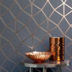 This Geo Trellis Wallpaper by Fine Decor has a triangular pattern consisting of striking metallic copper foil embedded on a granite effect textured charcoal grey background. Silver Textured Wallpaper, Grey And Gold Wallpaper, Copper Wallpaper, Trellis Wallpaper, Copper And Grey Kitchen, Blue And Copper Living Room, Copper Living Room Decor, Kitchen Grey, Kitchen Dining