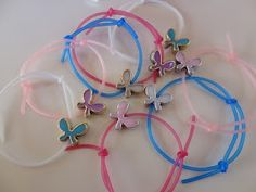 My precious little ones: Wristbands with rubber! My Precious, Diy Projects To Try, Little Ones, Charm Bracelets, Blog, Bracelets, Blogging, Toddlers