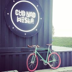 And she arrived at #cudnadwisla to watch a stand up comedy :) Enjoy #Candy! :) #polkabikes #polkuj #ostrekolo #fixie #fixedgear #urbanfashion #bikeporn #bicycle #landrynka #polishbrand