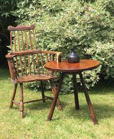Primitive Furniture, Country Furniture, Welsh, Furniture Making, Cool Things To Make, Stools, Folk Art, Dining Chairs, Rustic