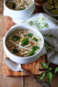 Spicy Vietnamese Chicken Noodle Soup for French Fridays with Dorie Food Revolution Day -Patty's Food Lunch Recipes, Soup Recipes, Breakfast Recipes, Healthy Recipes, Patty Food, Meat And Potatoes Recipes, Chicken Noodle Soup, Noodle Soups, Asian Soup