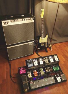 Guitar Pedal Board, Guitar Rig, Easy Guitar, Cool Guitar, Guitar Effects Pedals, Guitar Pedals, Boss Pedals, Fender Telecaster, Playing Guitar