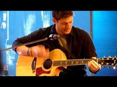 "Jensen Ackles Singing ""The Weight"" at Jus in Bello"