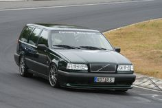 volvo 850 on the track