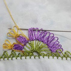 Fotoğraf açıklaması yok. Crochet Edging Patterns, Baby Knitting Patterns, Crochet Ideas, Filet Crochet, Needle Lace, Lace Making, Embroidered Flowers, Tatting, Needlework