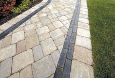Brussels Block Walkway with Copthorne Paver Accent